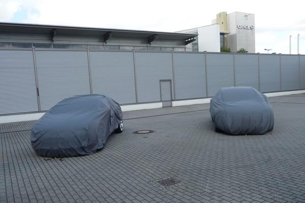 Verhüllte Opel Astra GTC
