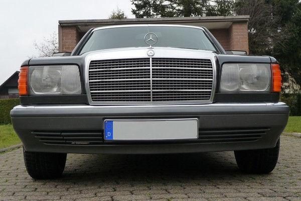 1989 Mercedes-Benz 500 SEL W 126 Front