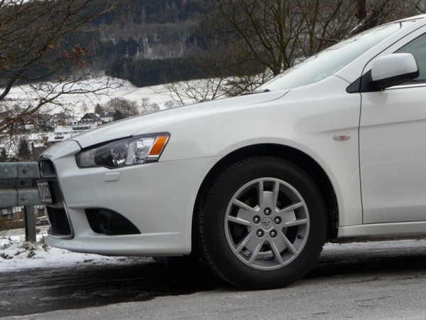 Mitsubishi Lancer Sportback Front