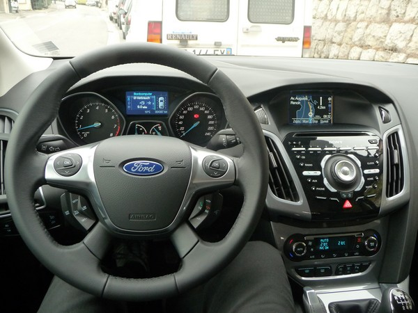Ford Focus 1.0 Ecoboost Powerdrive 04