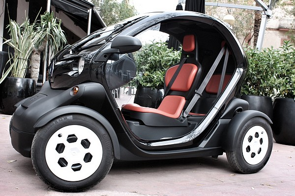 probefahrt test renault twizy baby you can charge. Black Bedroom Furniture Sets. Home Design Ideas