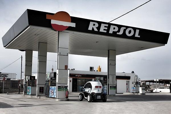 renault-twizy-test-probefahrt-strom-elektro-tanken-tankstelle