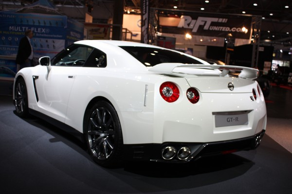 nissan gt r der publikumsmagnet auf der ami 2012 rad. Black Bedroom Furniture Sets. Home Design Ideas