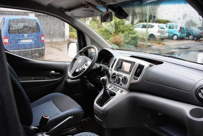 fahrbericht test meinung nissan nv 200 evalia 2012. Black Bedroom Furniture Sets. Home Design Ideas
