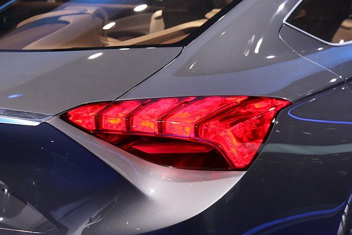 hyundai-concept-car-hcd-14-detroit-naias-2013-03