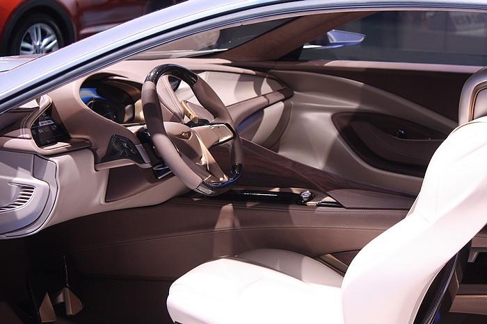 hyundai-concept-car-hcd-14-detroit-naias-2013-05