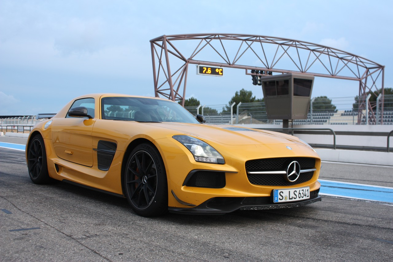 mercedes-benz-sls-amg-black-series-07