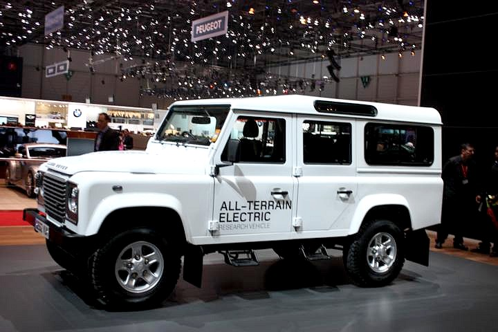 land-rover-elektric-defender-all-terrain-genf-2013