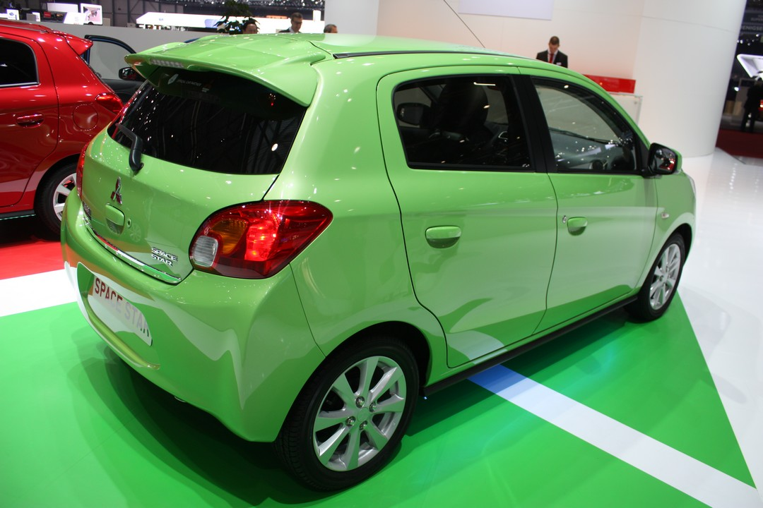 mitsubishi-mirage-space-star-2013-03