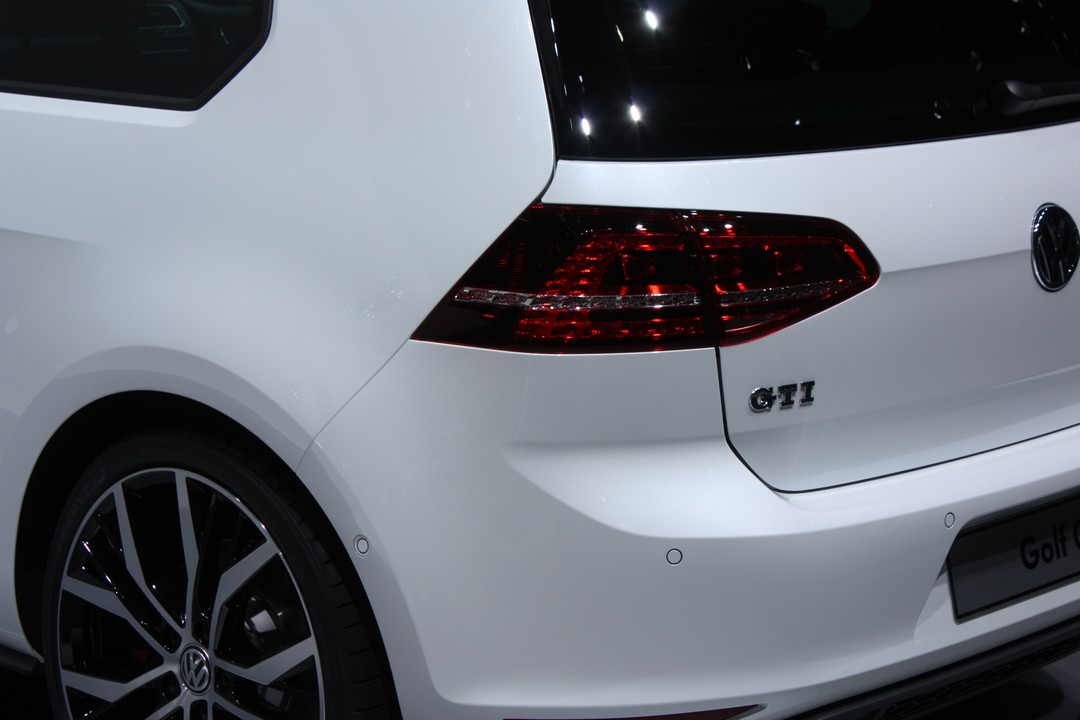 genf 2013 vw golf 7 gti rad. Black Bedroom Furniture Sets. Home Design Ideas