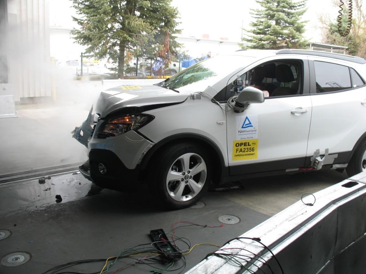 opel-crashtest-klimaanlage-kaeltemittel-opel-mokka