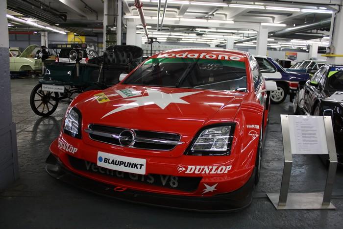 opel-motorsport-formel-1-2014-dtm-opel-vectra-gts-v8