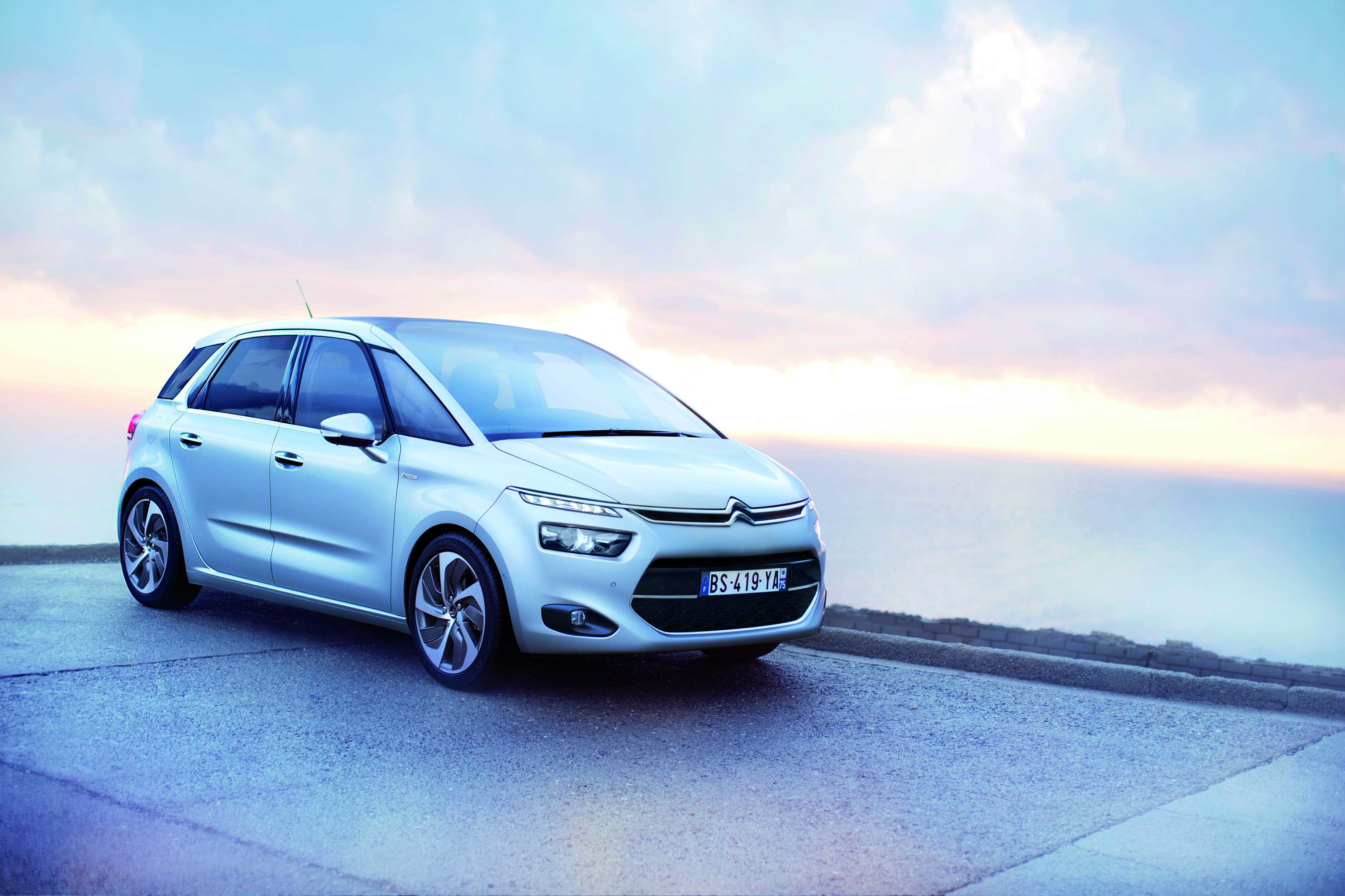 citroen-c4-picasso-2013-attraction-seduction-exklusive-intensive-01
