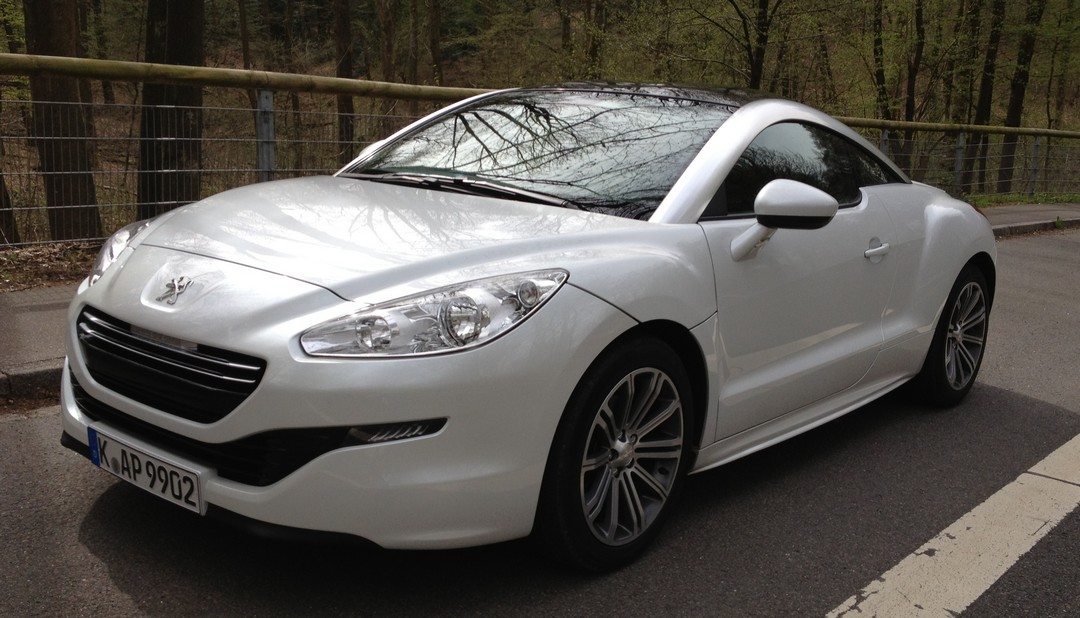 angesehen peugeot rcz 2 0 hdi diesel facelift 2013 rad. Black Bedroom Furniture Sets. Home Design Ideas