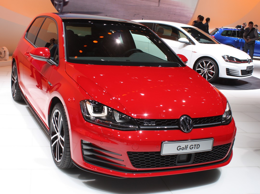 vw-golf-gtd-front