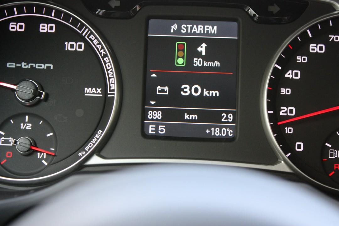 ampel-kommuniziert-mit-auto