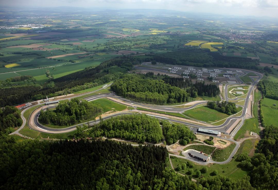 bilster-berg-rennstrecke-teststrecke-bad-driburg-luftaufnahme-bilsterberg