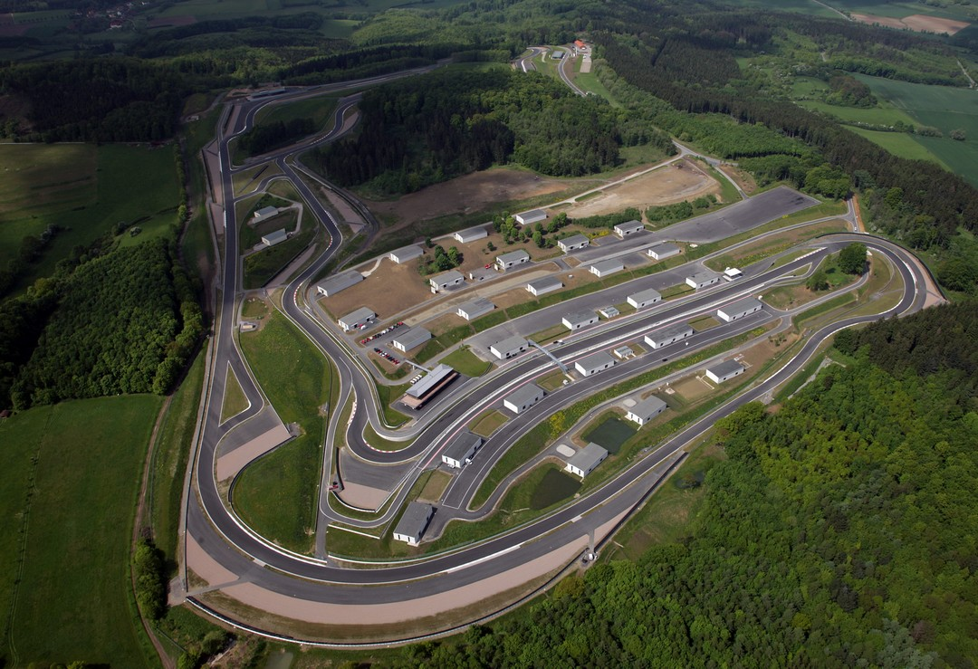 bilster-berg-rennstrecke-teststrecke-bad-driburg-luftaufnahme