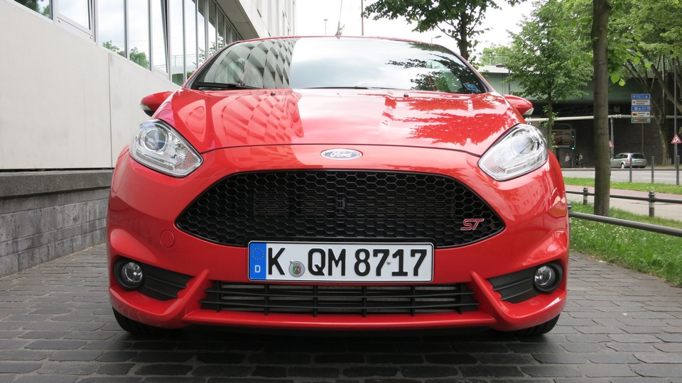 ford-fiesta-st-2013-front