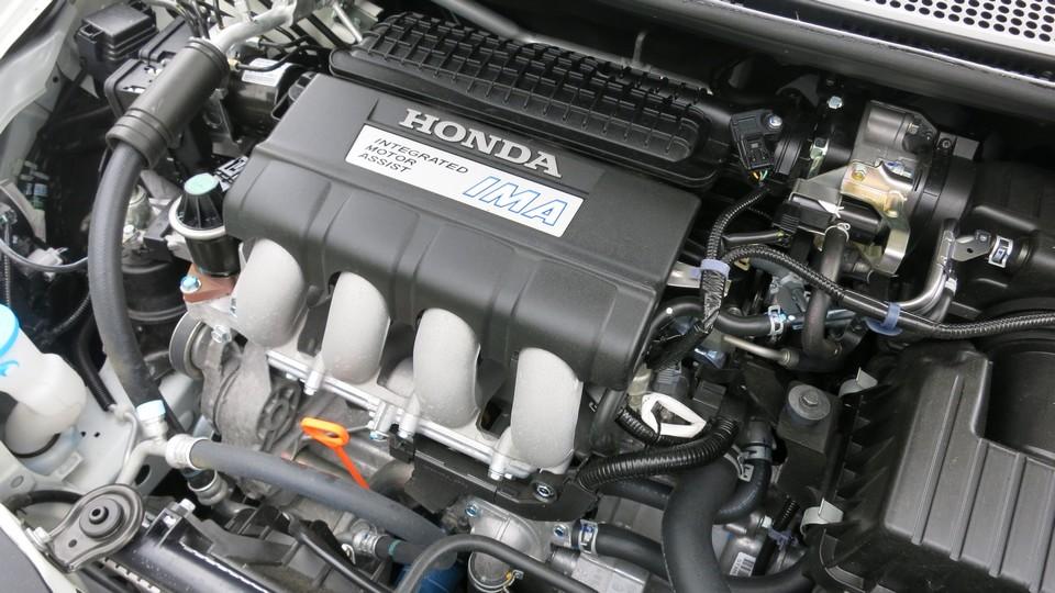 honda-crz-s-hybrid-test-fahrbericht-2013-motor-jens-stratmann-02-honda-blog