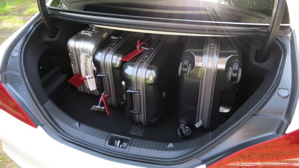 mercedes-cla-45-amg-fahrbericht-test-jens-stratmann-mercedes-blog-kofferraum