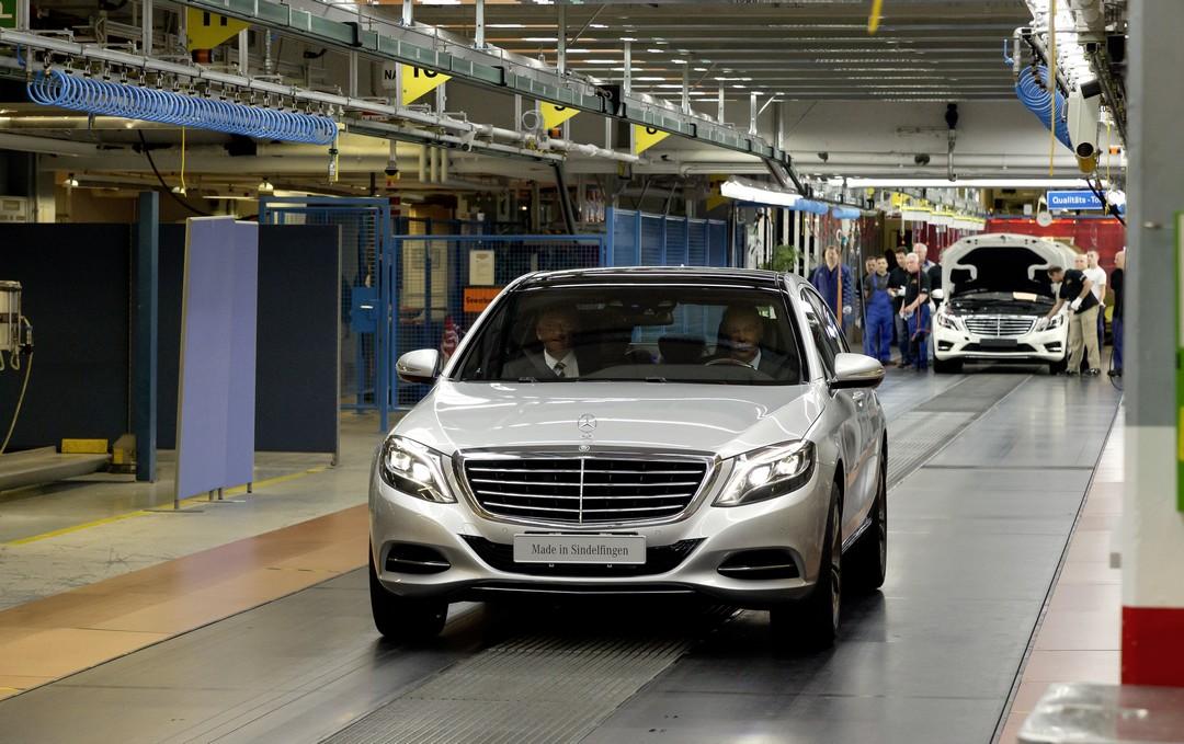 neue-s-klasse-w222-s-400-hybrid-zetsche-renschler-job-nr-1-werk-sindelfingen