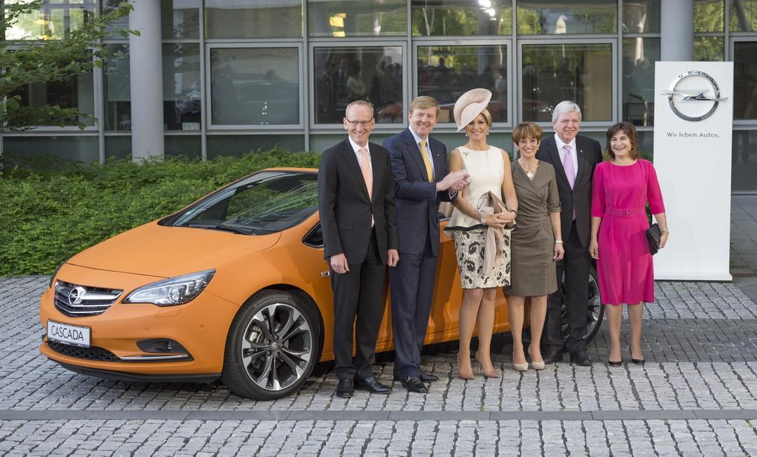 oranje-cascada-opel-empfängt-das-niederländische-königspaar
