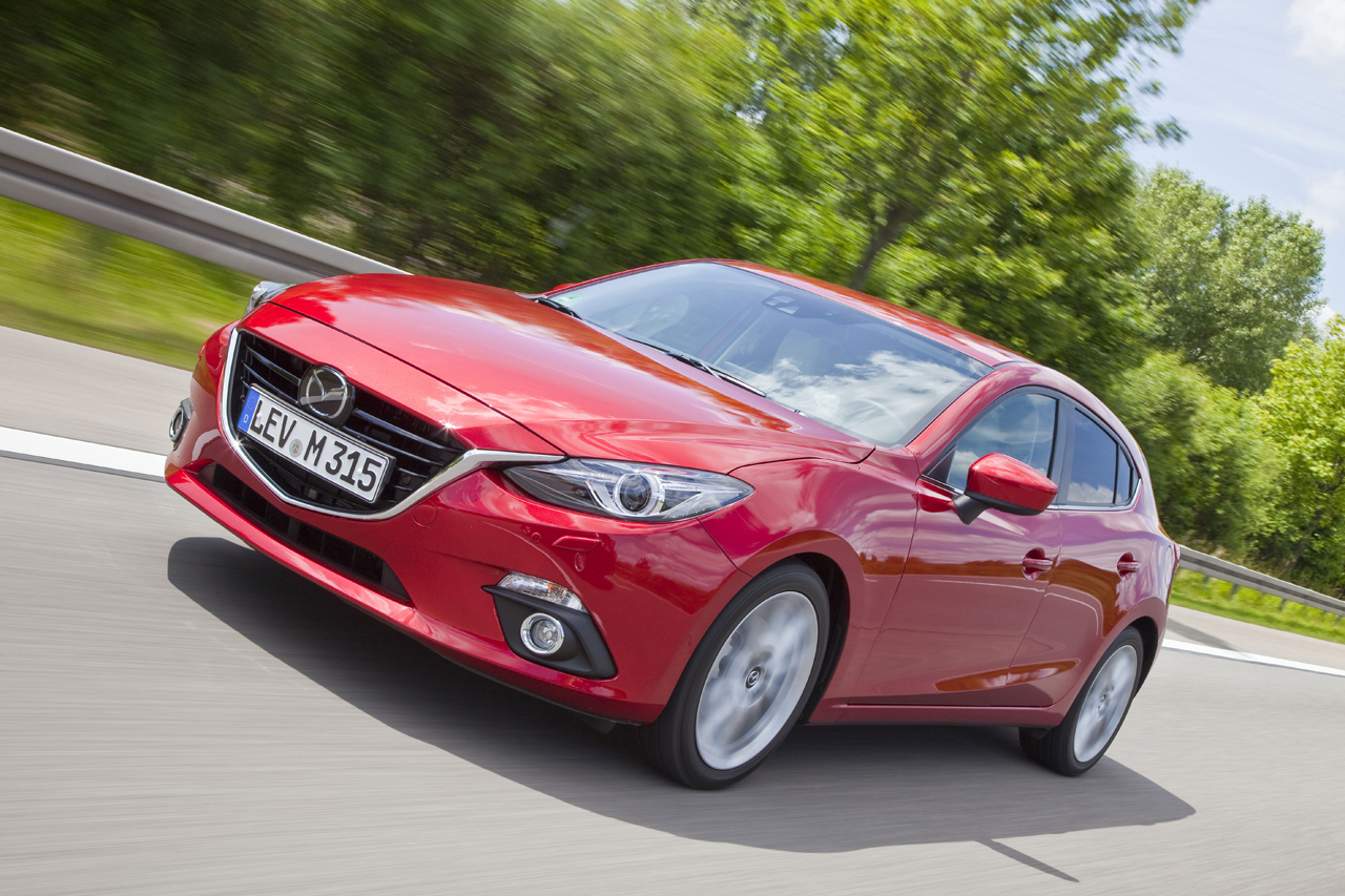 Mazda3_2013_Hatchback_action_08__jpg72