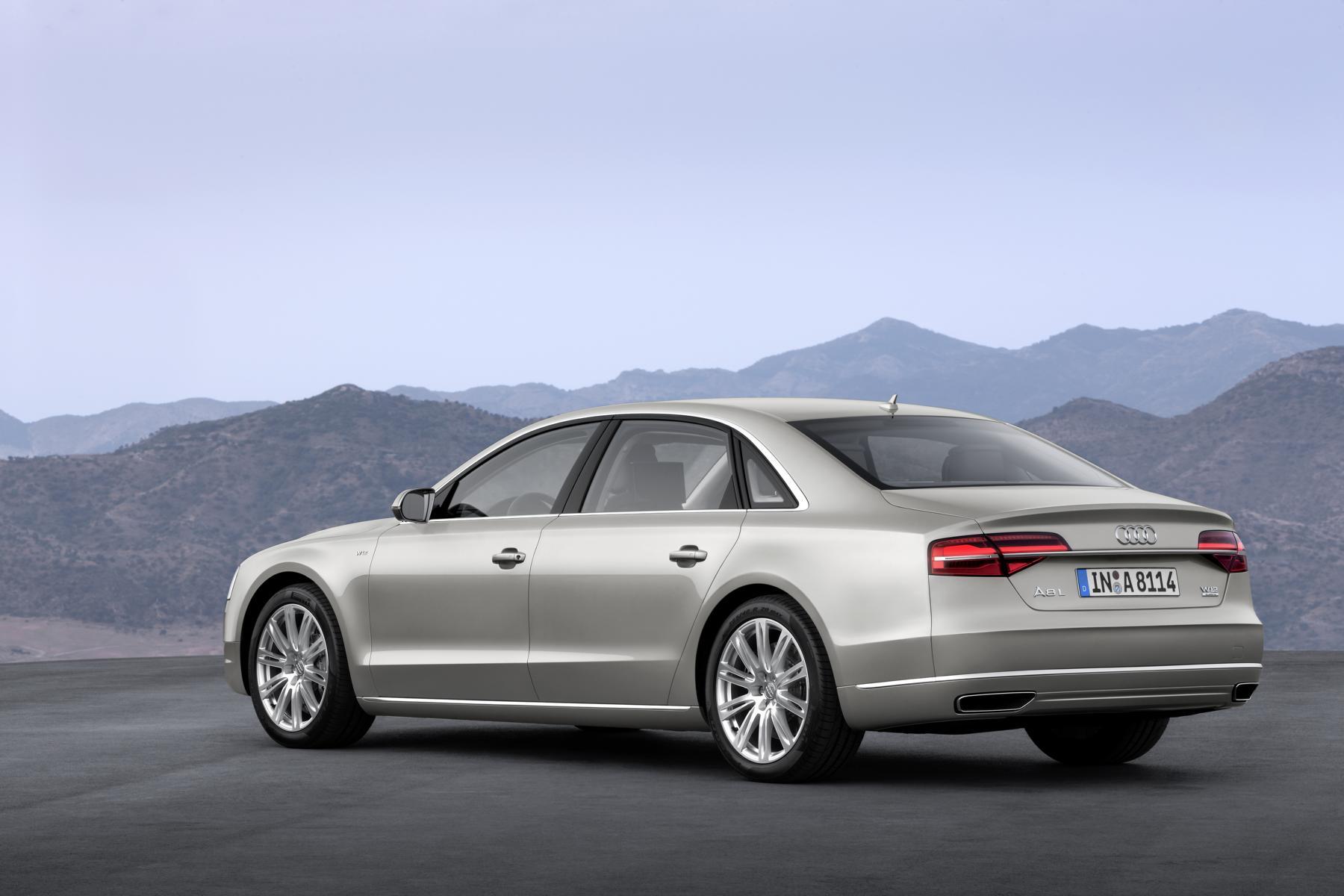 Audi_A8_W12_02_37