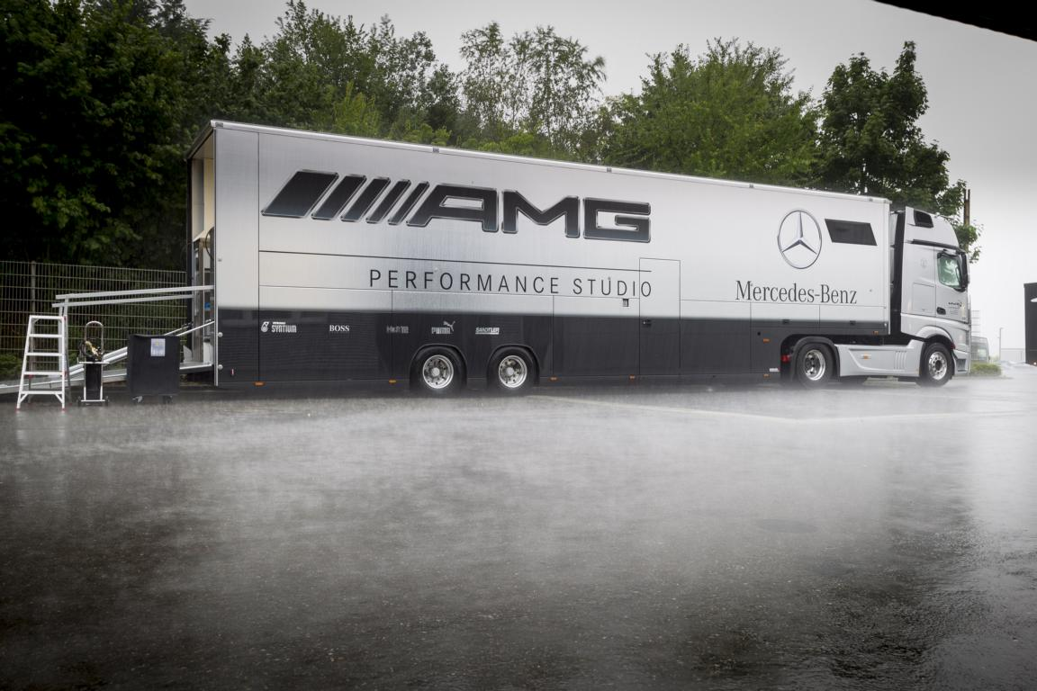 Die Trucks des Mercedes AMG DTM Team