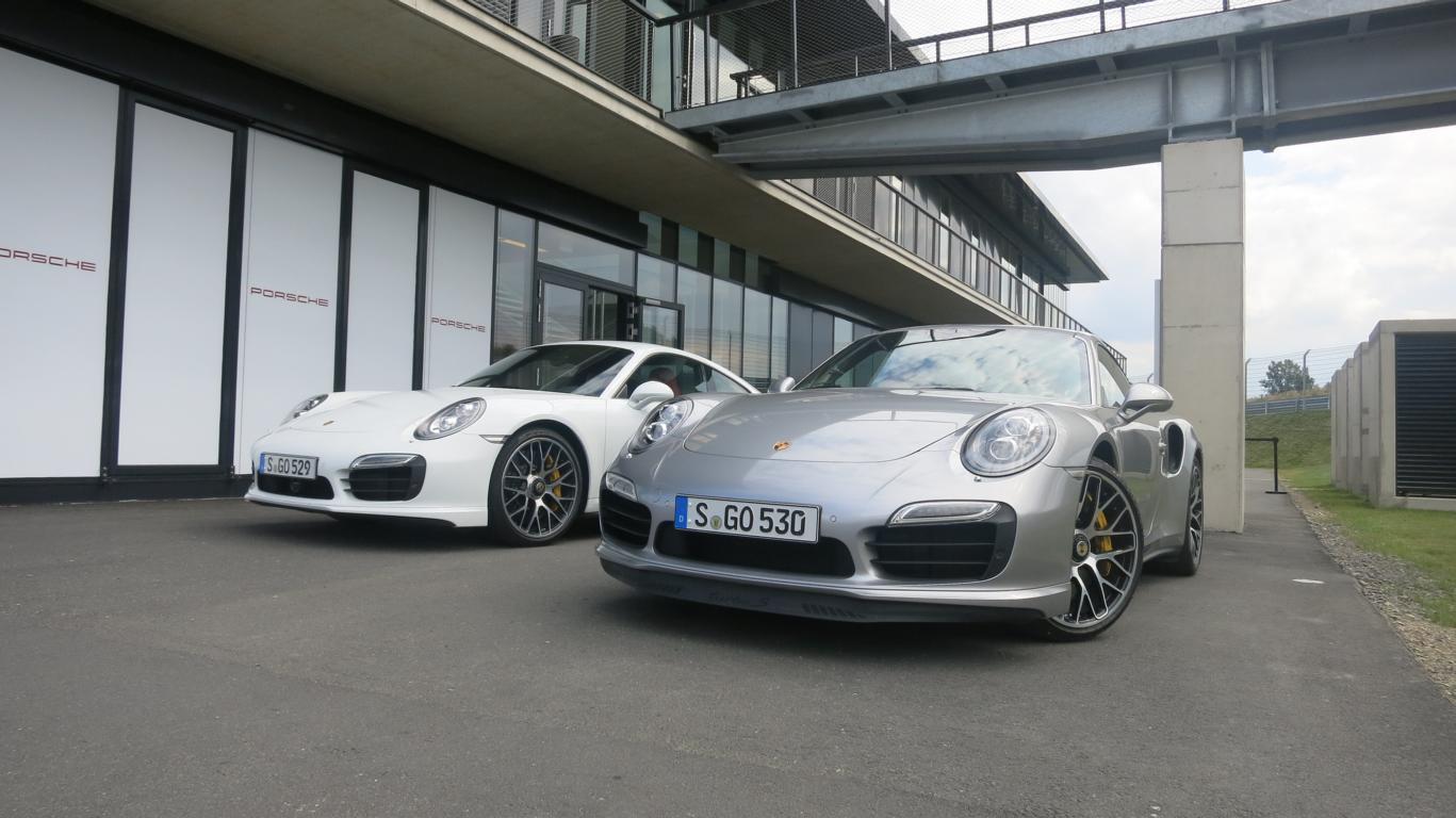 Porsche 911 Turbo S - 2014