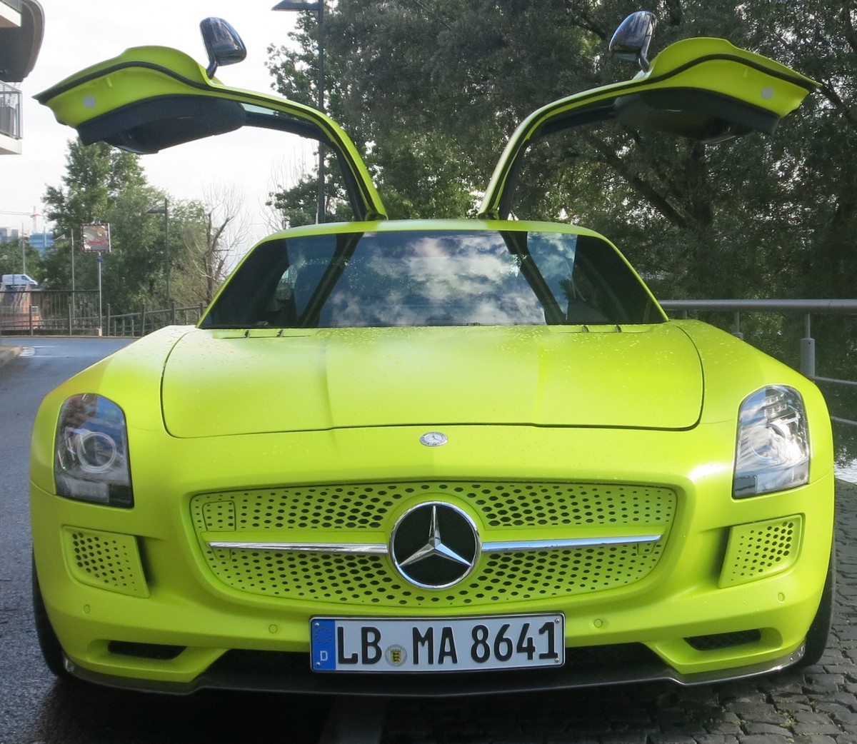 sls-amg-electric-drive-video-fotos-jens-stratmann-front