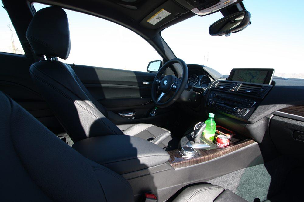 BMW-M235i-Test-Vergleich-Fahrbericht-rad-ab-jens-stratmann-innenraum-total