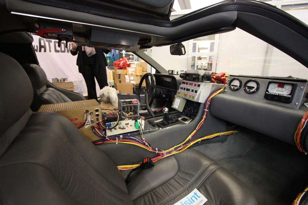 DeLorean-Filmfahrzeug-Zurueck-in-die-Zukunft-NAIAS-2014-Detroit-02