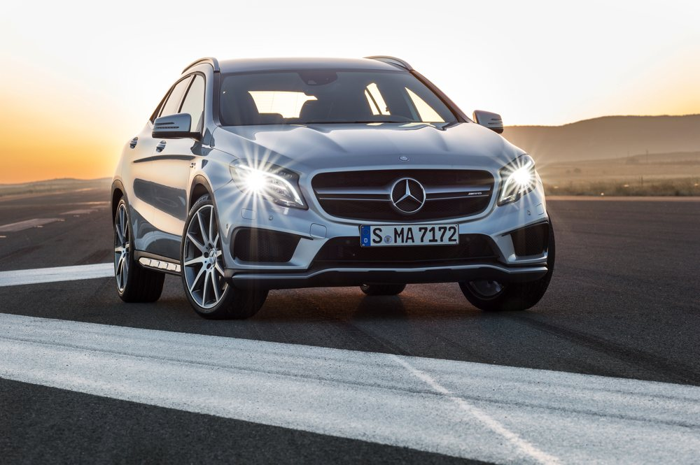 fotos-video-mercedes-benz-gla-45-amg-preis-2014-detroit-01