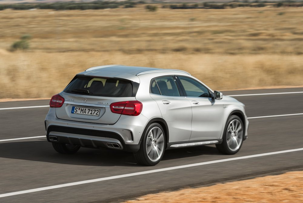 fotos-video-mercedes-benz-gla-45-amg-preis-2014-detroit-03