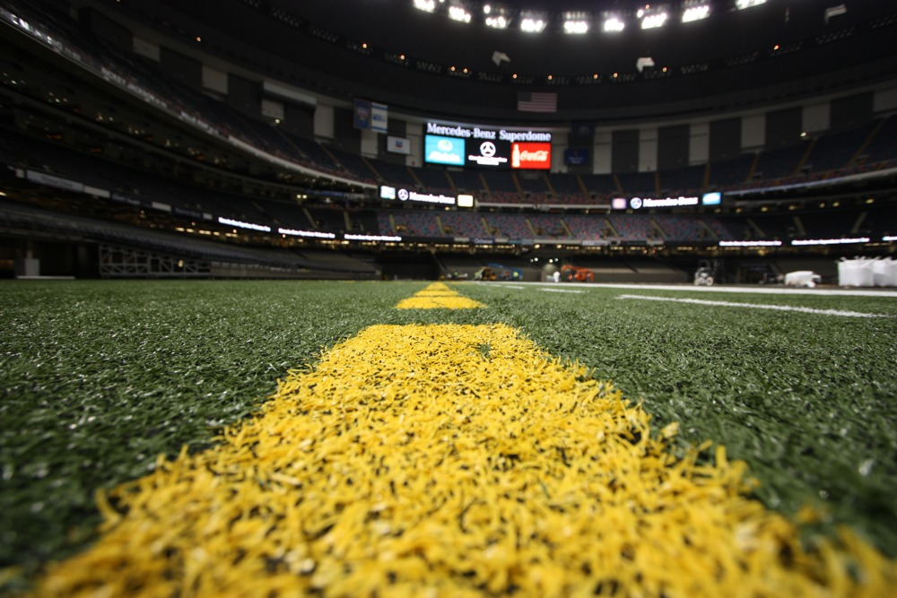 mbrt14-mercedes-benz-roadtrip-2014-superbowl-MB-Superdome-New-Orleans