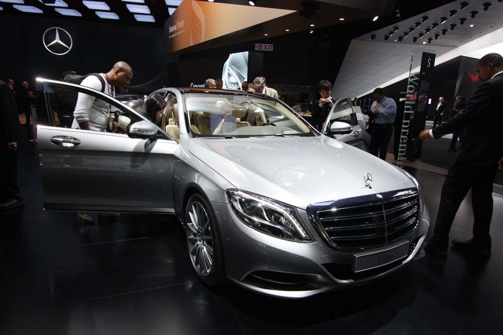 naias 2014 mercedes benz s 600 weltpremiere rad. Black Bedroom Furniture Sets. Home Design Ideas
