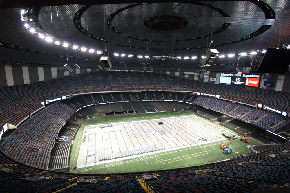 Mbrt14 tag 0 tag 1 von houston nach meridian rad for Mercedes benz superdome suites