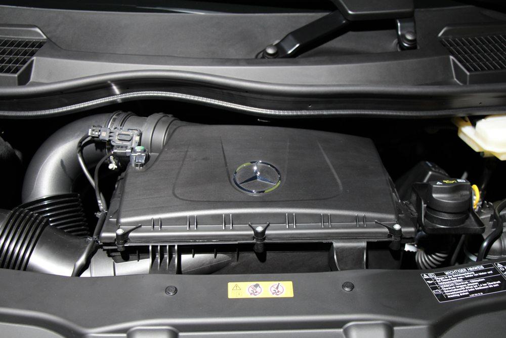 neue-mercedes-benz-v-klasse-2014-van-transporter-grossraumlimousine-02