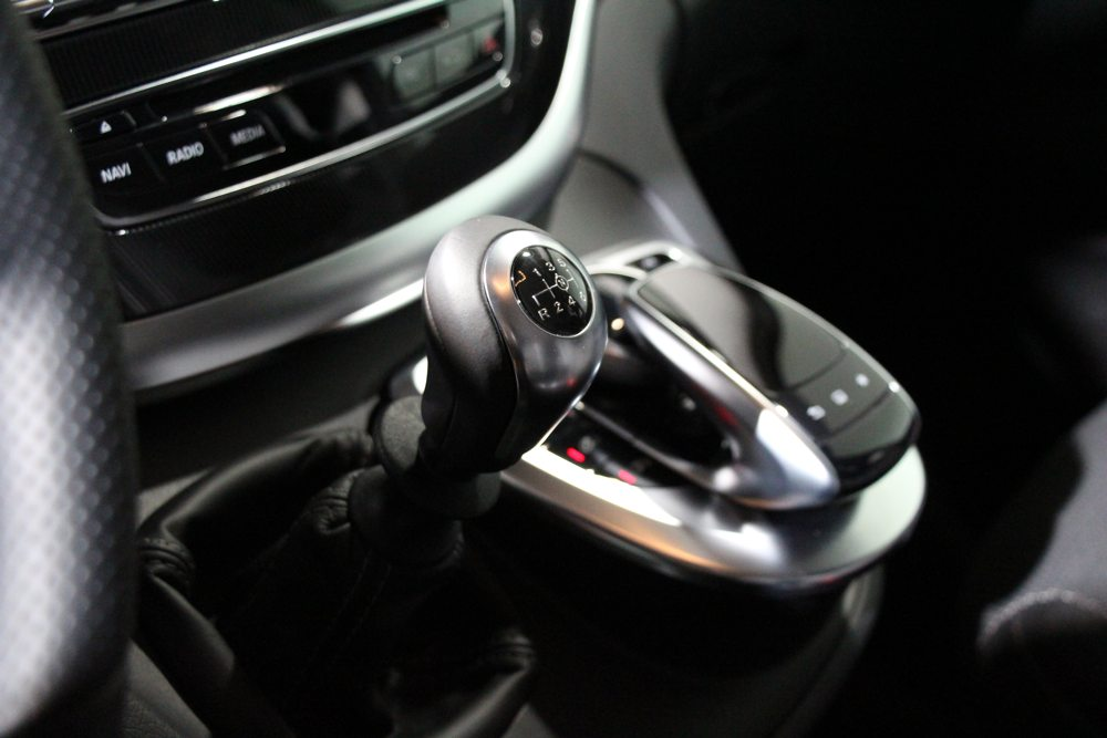 neue-mercedes-benz-v-klasse-2014-van-transporter-grossraumlimousine-03