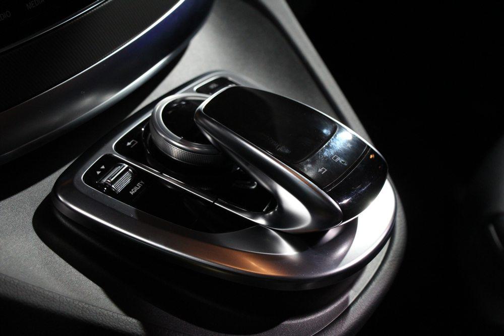 neue-mercedes-benz-v-klasse-2014-van-transporter-grossraumlimousine-04