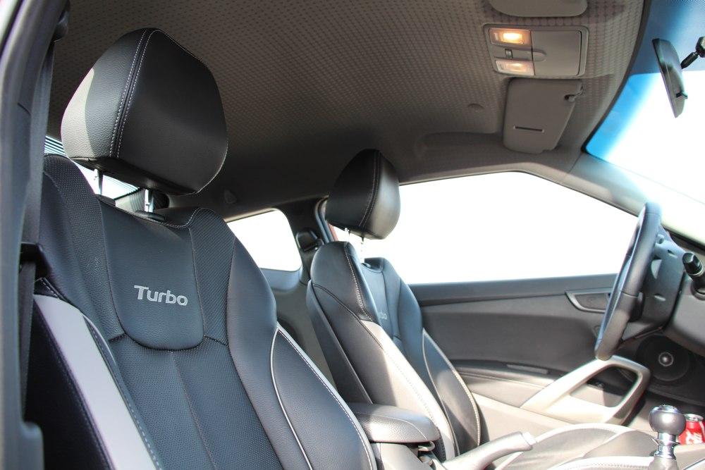 hyundai-veloster-turbo-test-sportsitze-sitze