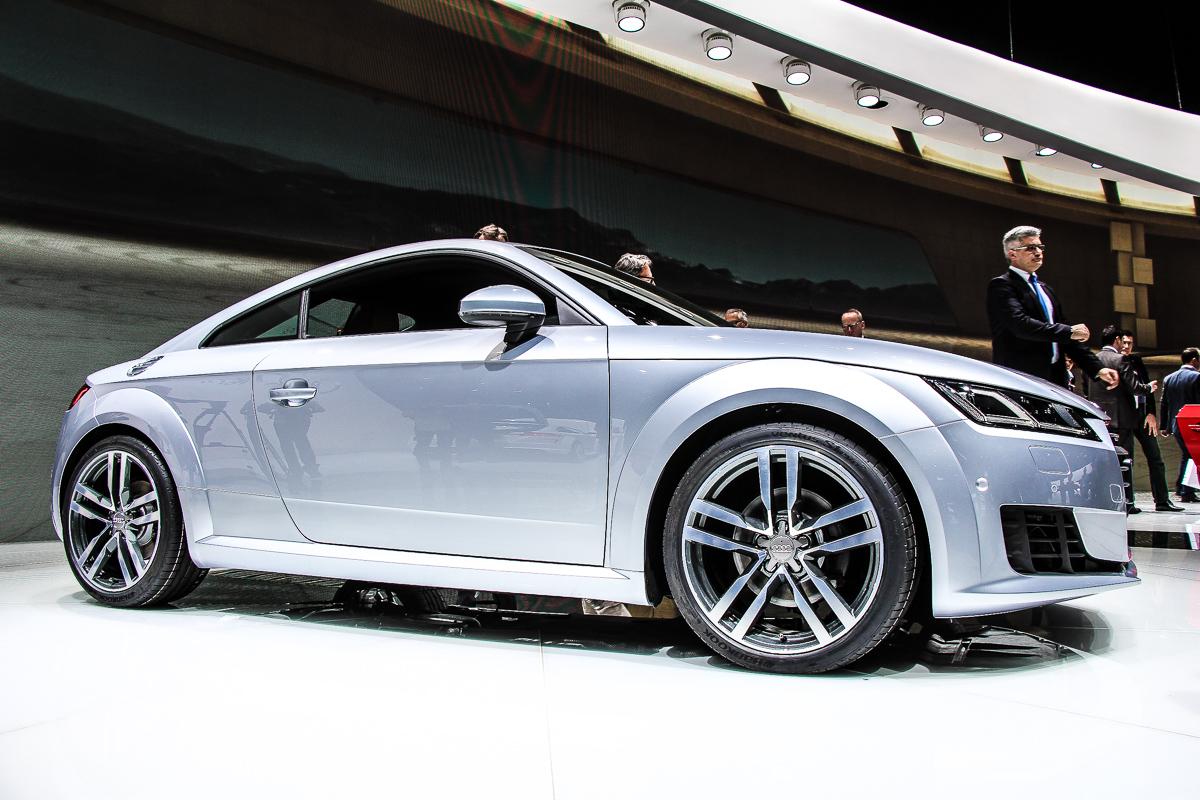 Audi-TT-Armaturenbrett-Tacho-MMI-1