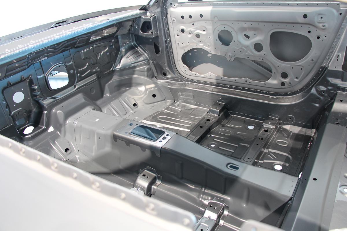 Audi-TT-Workshop-Karosserie-neuer-Audi-TT-2014-2