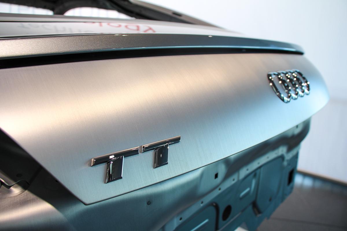 Audi-TT-Workshop-Karosserie-neuer-Audi-TT-2014-3