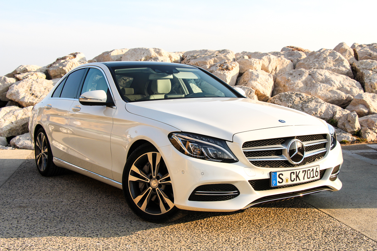 Mercedes-Benz-C-Klasse-C400-4MATIC-2014-1