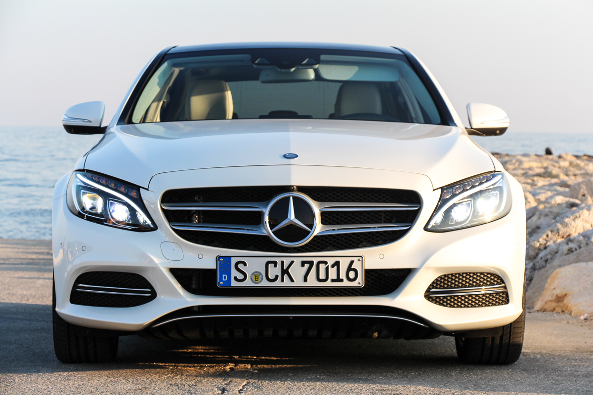 Mercedes-Benz-C-Klasse-C400-4MATIC-2014-8