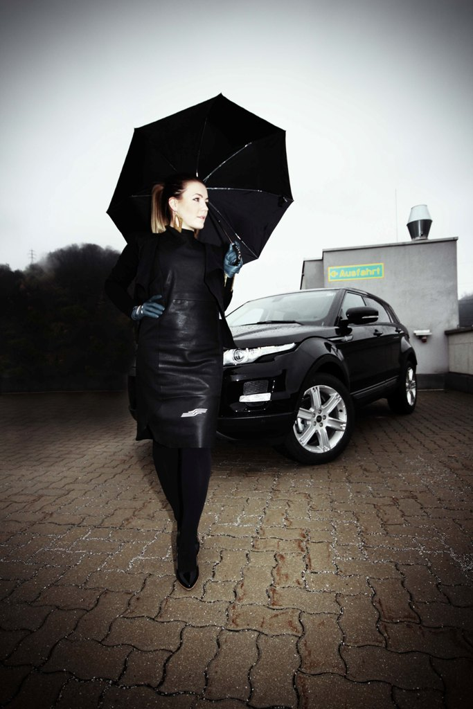 editorial_range rover evoque