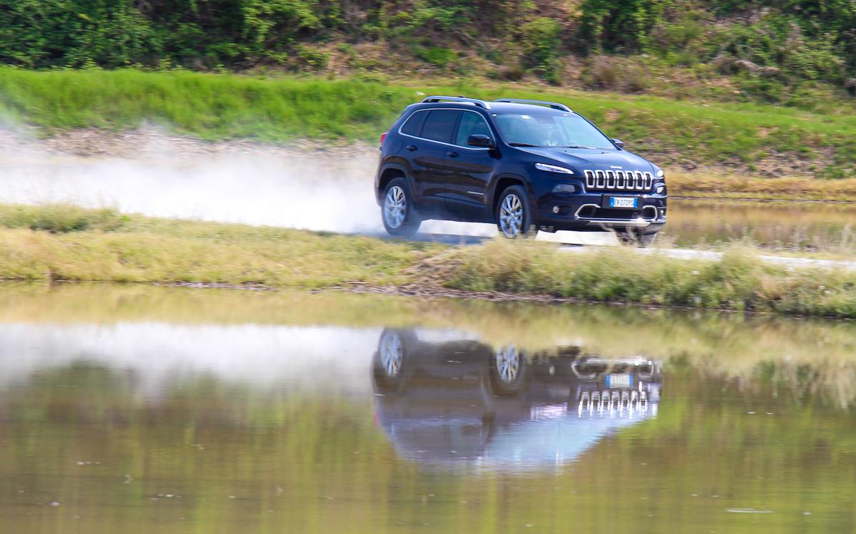 Jeep-Cherokee-2014-Test-Fahrbericht-Kritik-Meinung-V6-Benziner-13